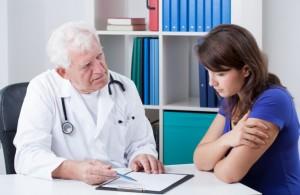 При частых эпизодах снохождения необходимо проконсультироваться с врачом-сомнологом