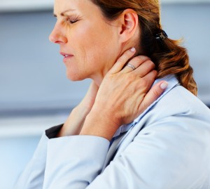 Боль в шее может негативно сказаться на качестве сна