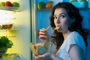 Бессонница может приводить к избыточному весу