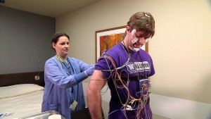 При частом ночном кашле следует пройти обследование у врача-сомнолога