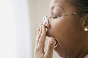 Избыточный вес, сонливость и вялость днем - основные признаки наличия апноэ на фоне синдрома Пиквика