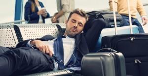 Неудобные позы и неподходящие спальные места могут вызывать боли в руках