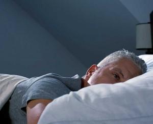 Боли в шее могут появиться из-за бессонницы