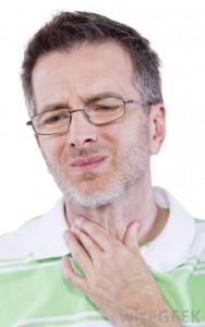 Если человека беспокоят боль в области пищевода, изжога или отрыжка, то необходимо пройти обследование на наличие апноэ