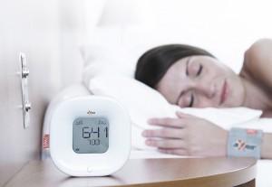 Для здорового сна важно засыпать и просыпаться в одно и то же время