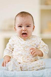 Ребенок может становится капризным или, наоборот, наоборот, вялым.