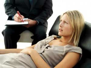 Психотерапия является важным методом выявления причины депрессии.