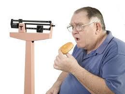 Сахарный диабет 2 типа чаще всего появляется у людей с лишним весом.