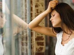 Психотерапевт является одним из лучших способов для решению проблем с тревожными состояниями.