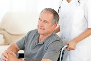 К очаговым симптомам инсульта относятся нарушения речи, двигательные нарушения, нарушения координации, речи и зрения.