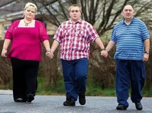 Вторичное ожирение возникает вследствии дефектов на генном уровне, паталогиях головного мозга, эндокринных расстройствах, психических расстройствах и приеме некоторых препаратов.