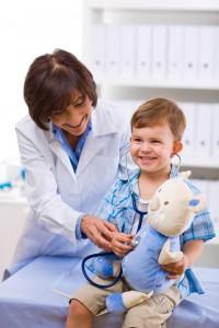 Чтобы избежать серьезных последствий нелеченого гипотиреоза, апноэ сна и бессонницы у ребенка, родителям стоит как можно раньше обратиться за помощью к врачу-сомнологу и эндокринологу.