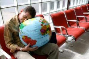 Сонливость в течение дня - один из симптомов Джет Лага