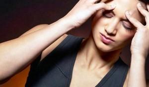 В ходе опроса многих пациентов врачи выявили, что головная боль напряжения, возникающая 10 дней в месяц или реже, как правило, слабая.