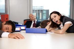 В некоторых условиях приступ дневной сонливости - нормальное явление