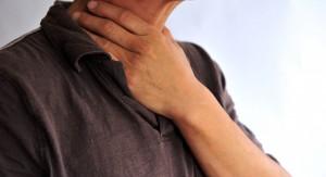 Часто причиной утренней боли в горле является храп