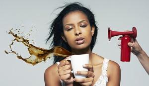 Отказ от вредных привычек поможет решить проблему дневной усталости и слабости