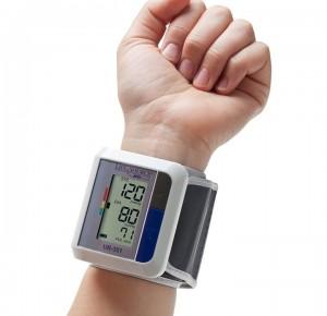 Специальный прибор поможет выявить признаки артериальной гипертонии во сне