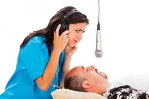 В некоторых случаях разговоры во сне являются признаками заболеваний