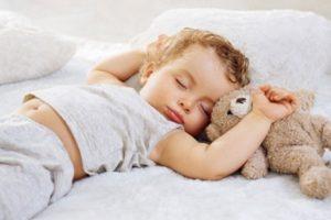 Лучшее время для укладывания ребенка спать