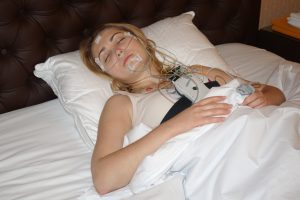 Диагностика и лечение храпа у женщин